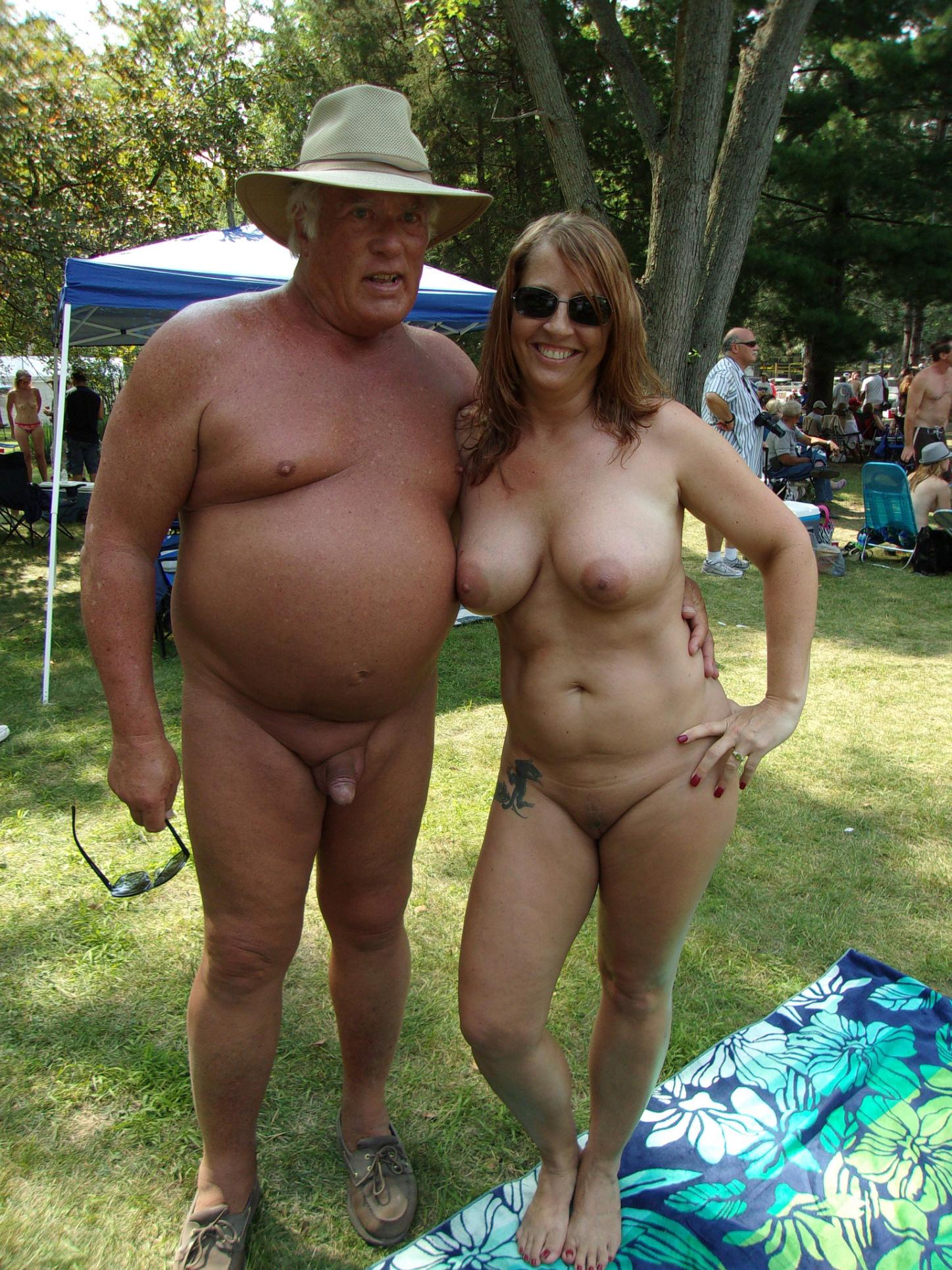 Campamento en michigan nudista