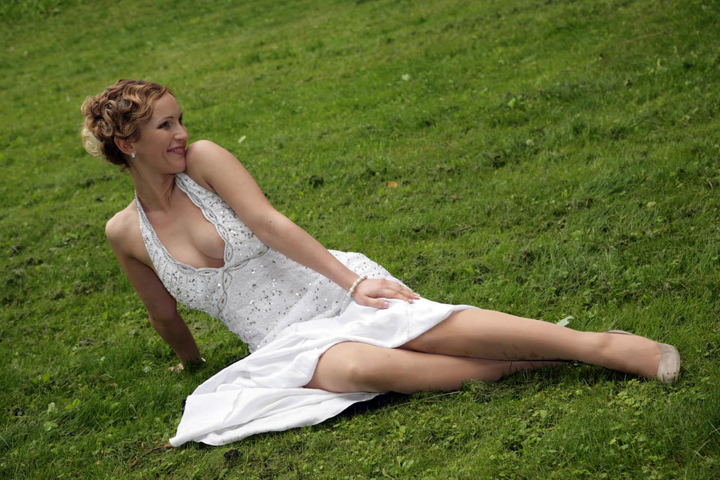 Фото невест в колготках, Голые невесты фото - обнаженные девушки на свадьбе 24 фотография